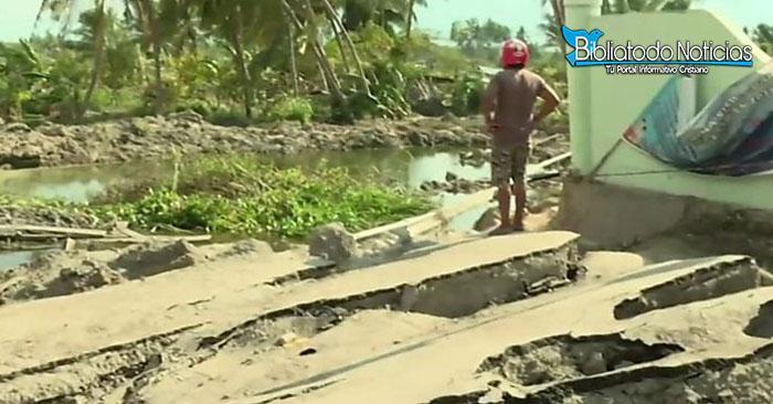 ¡SORPRENDENTE! en Indonesia se derrite el suelo por extraño fenómeno