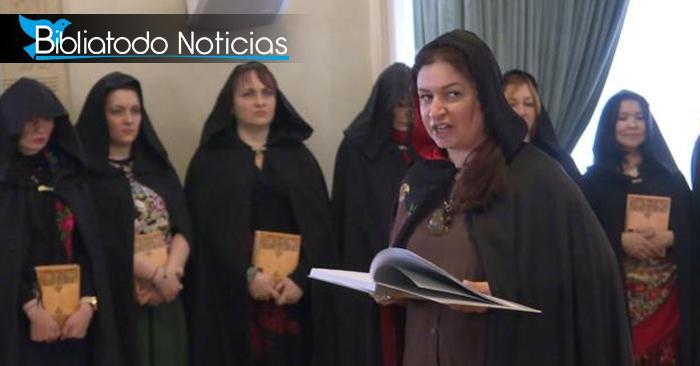 Hechicería presidencial: Mandatario de Rusia se une a grupo de brujas durante evento público