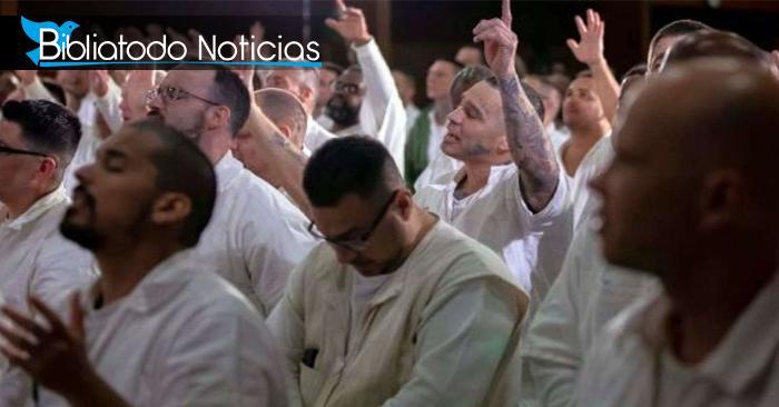 ¡Sembrando palabra de Vida! 500 reclusos se entregaron a Cristo en iglesia dentro de la prisión