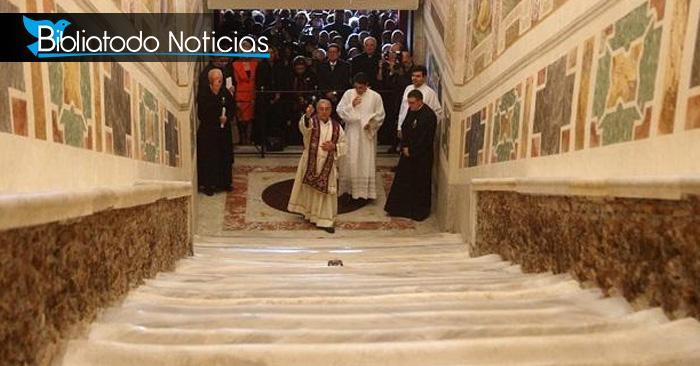 """Roma muestra """"La Escalera Santa"""" que subió Jesús para ser juzgado"""