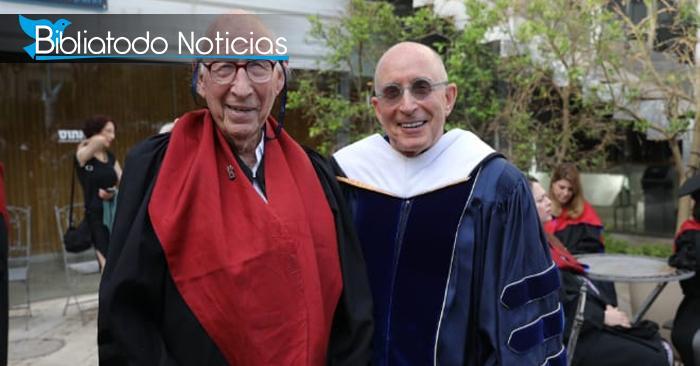 A los 90 años logra hazaña al recibir doctorado bíblico