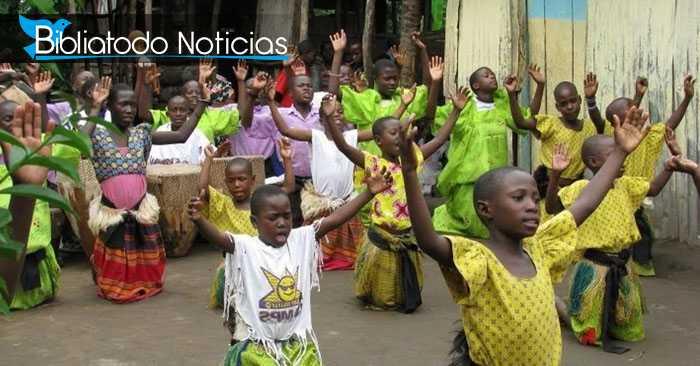 Brujos huyen de aldeas en Uganda tras masiva aceptación de Cristo en el pueblo