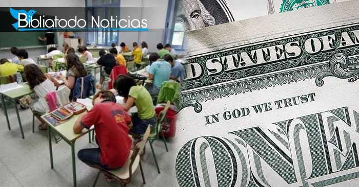 Dios regresa a clases: EE.UU convierte lema del dólar en ley para escuelas públicas