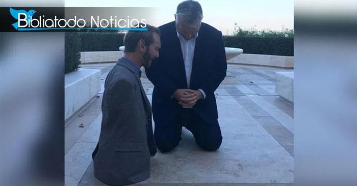 Foto de Nick Vujicic junto al primer ministro de Hungría